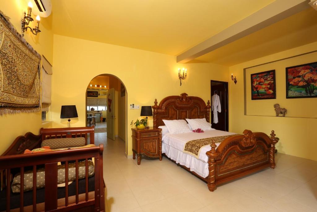 Biệt thự dạng Căn hộ áp mái 6 Phòng ngủ