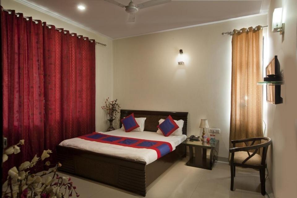 Hotels Near Jangpura Delhi