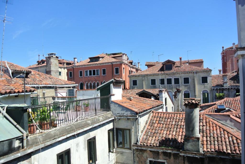 Art Apartments Venice, Italy - Booking.com