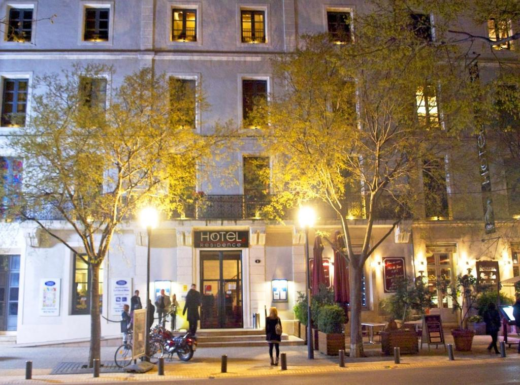 Appart 39 hotel odalys le cheval blanc locations de vacances for Appart hotel nimes