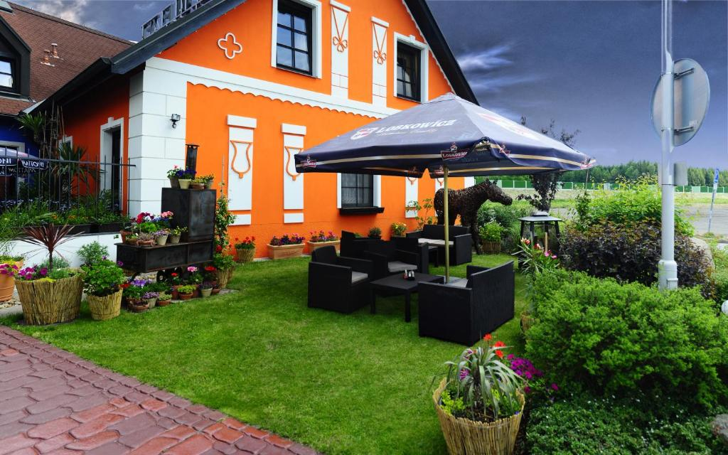 Hotel Elzet T 225 Bor Book Your Hotel With Viamichelin