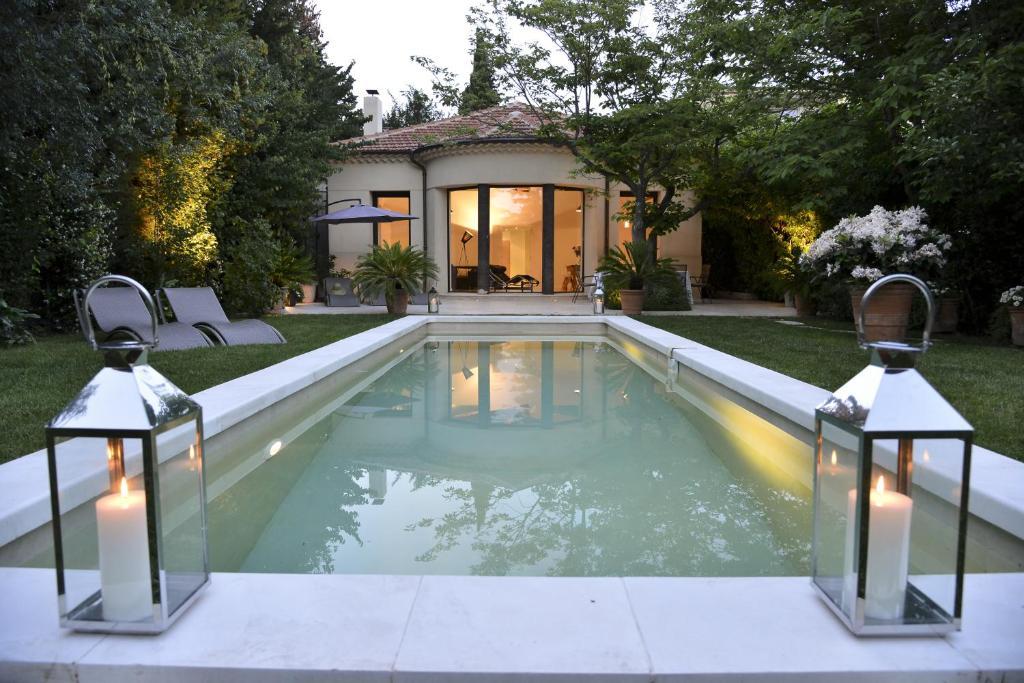 Villa c zanne locations de vacances aix en provence for Location villa salon de provence