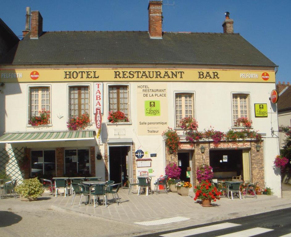 H tel restaurant de la place r servation gratuite sur for Reserver hotel payer sur place