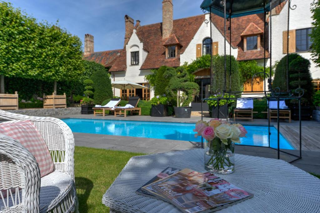 Chambres d 39 h tes exclusive suites the secret garden chambres d 39 h tes bruges - Chambres d hotes a bruges ...