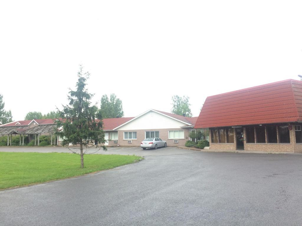 Motel pignons rouges r servation gratuite sur viamichelin for Reservation motel