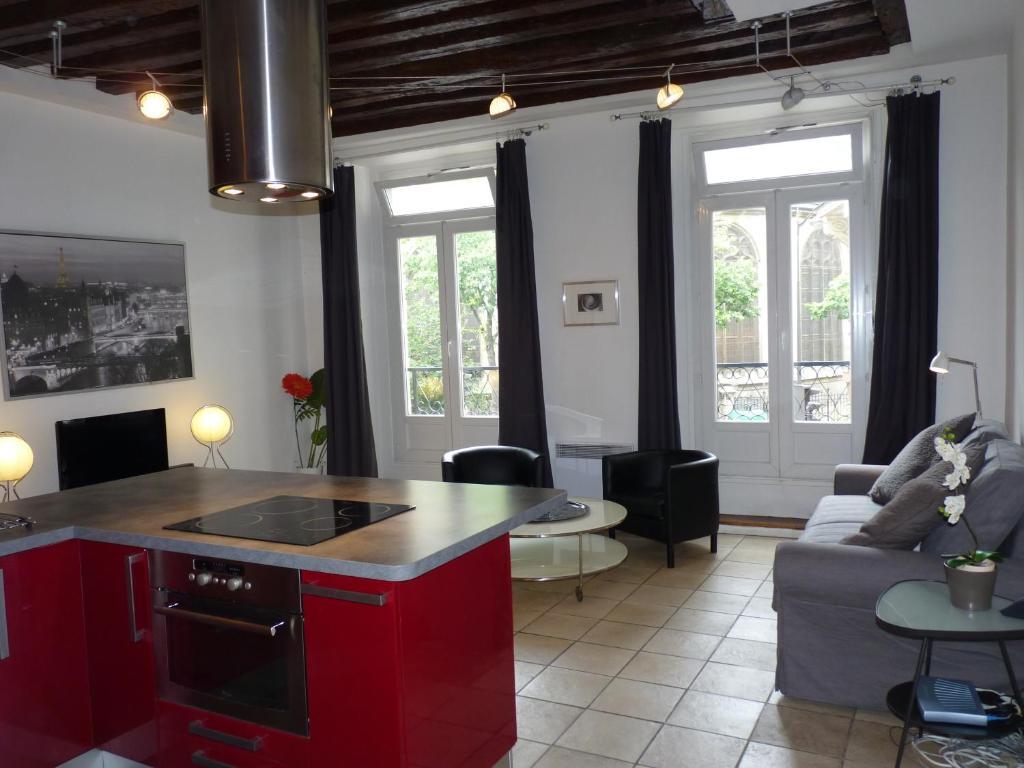 appartement apart of paris le marais rue au maire locations de vacances paris. Black Bedroom Furniture Sets. Home Design Ideas