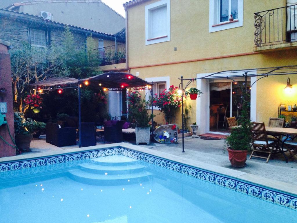 Chambre d 39 h tes chez martine c t piscine chambres d for Chambre d hotes carcassonne
