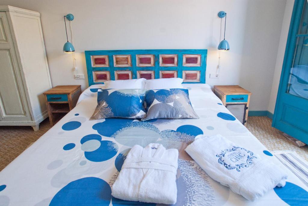 Hostal chic r servation gratuite sur viamichelin - Sant feliu de guixols office du tourisme ...