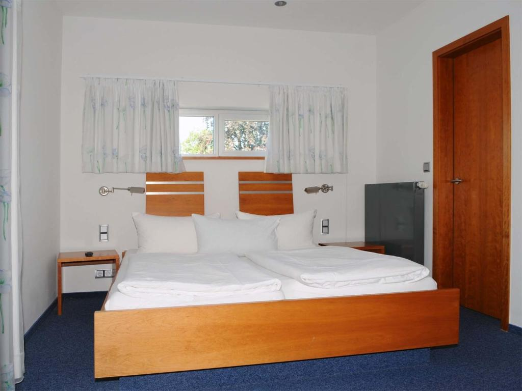 hotel restaurant thomsen delmenhorst book your hotel with viamichelin. Black Bedroom Furniture Sets. Home Design Ideas