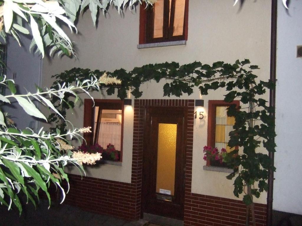 http://q-ec.bstatic.com/images/hotel/max1024x768/529/52940051.jpg