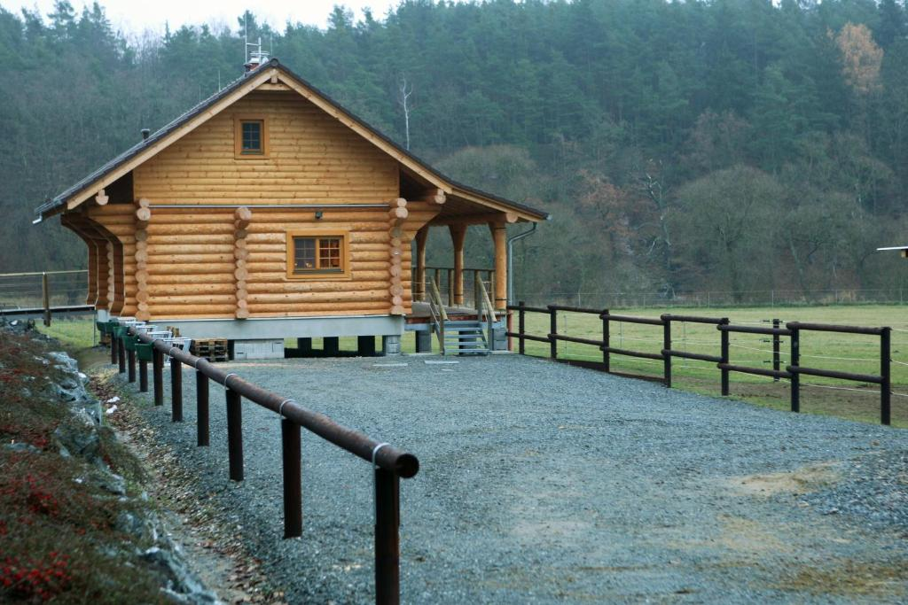 Holiday home mb ranch t emo n reserva tu hotel con for Ranch house con cantina