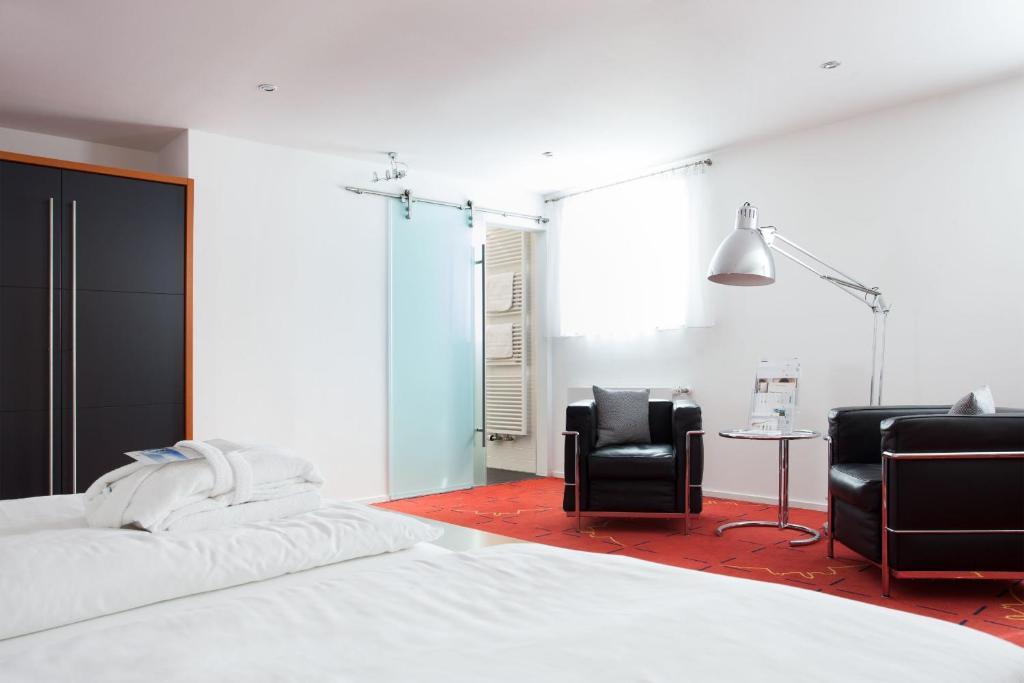 hotel schloss montabaur montabaur online booking viamichelin. Black Bedroom Furniture Sets. Home Design Ideas