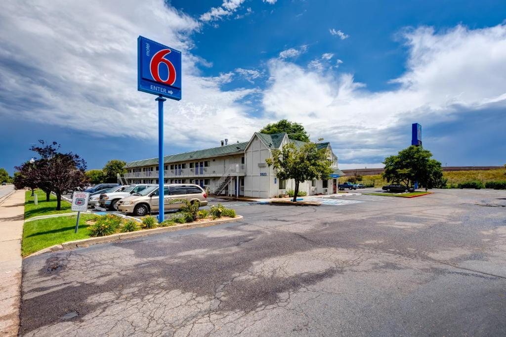 Top 10 Motels in Denver from $60 night | landlaw.ml