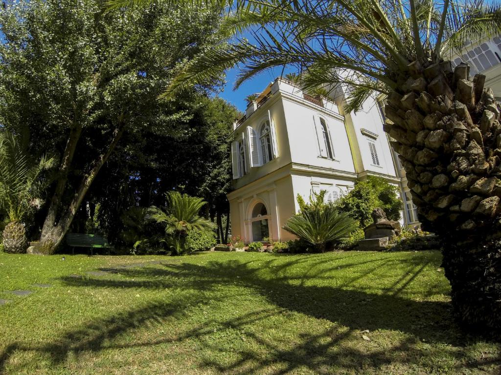 Naples Gardens Bed And Breakfast