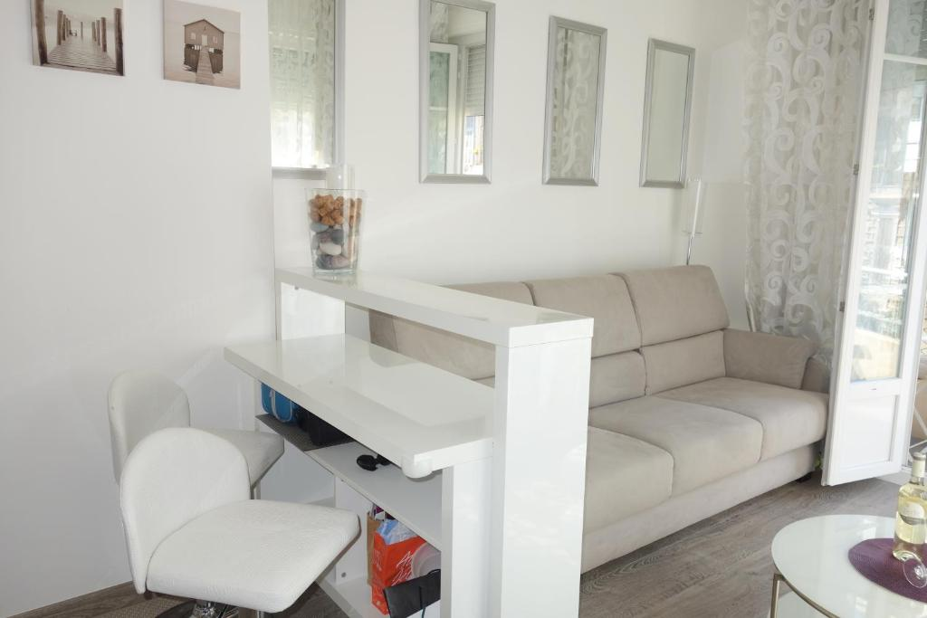 <div data-et-view=NAFQCDCcdXDPdFO:1</div Three-Bedroom Apartment Steinsland with Sea View 03