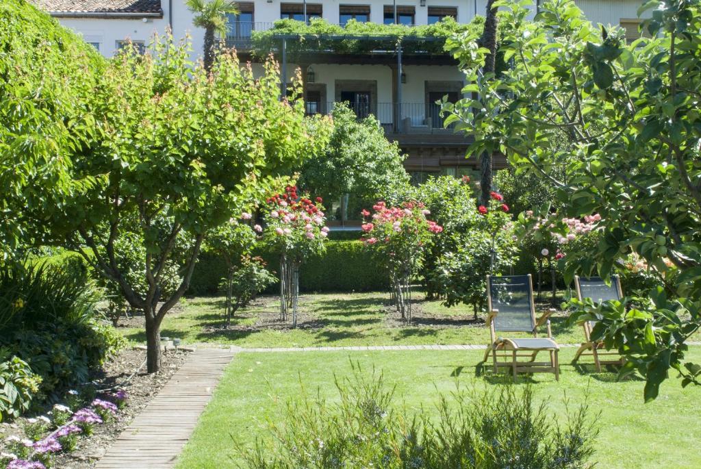 El jard n del convento herv s informationen und for El jardin online