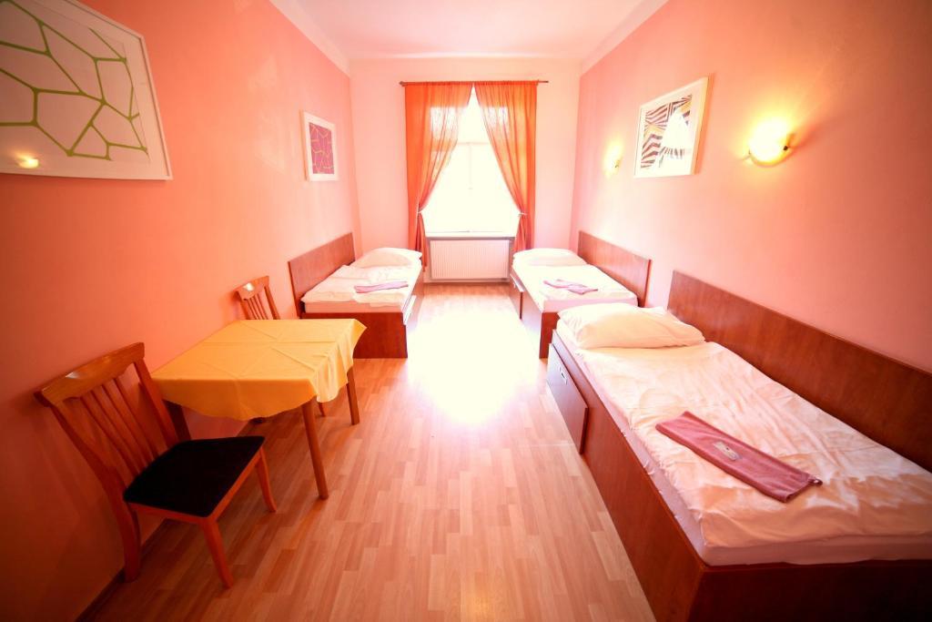 Bagno In Comune Hotel : Camere nel centro di parigi sainte marie ufficiale