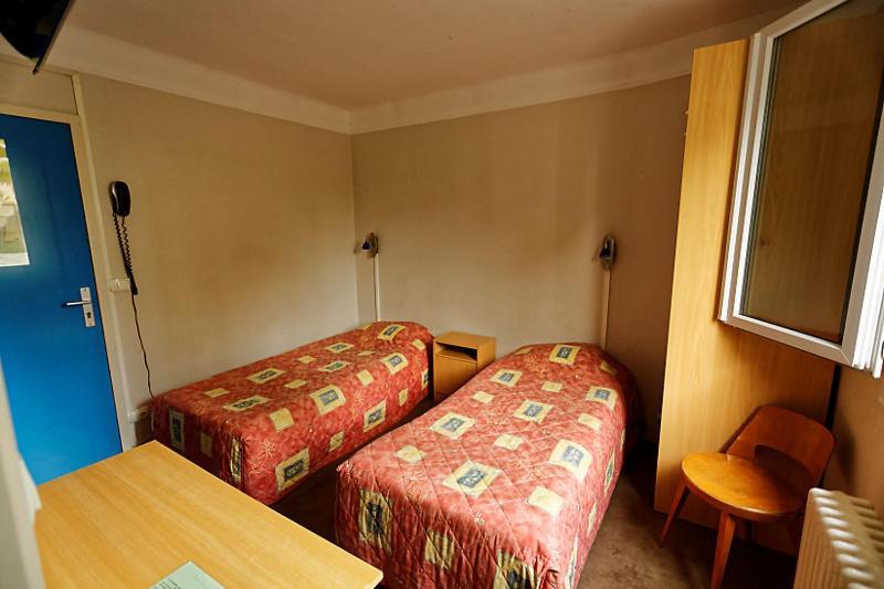 hotel au bon sejour vitry le fran ois. Black Bedroom Furniture Sets. Home Design Ideas