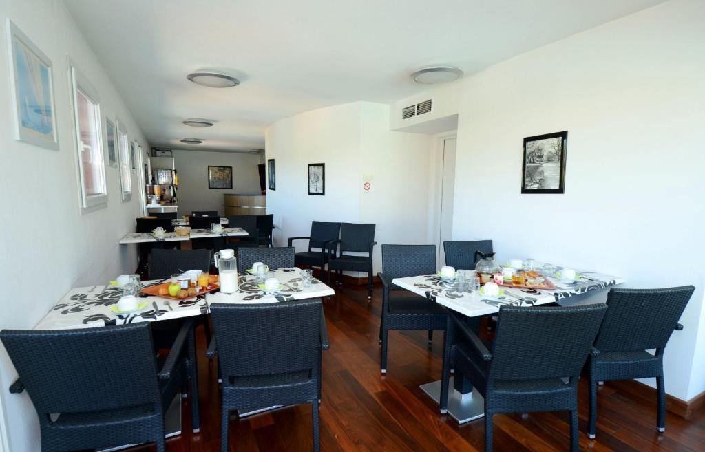 appart 39 hotel odalys olympe locations de vacances antibes juan les pins. Black Bedroom Furniture Sets. Home Design Ideas