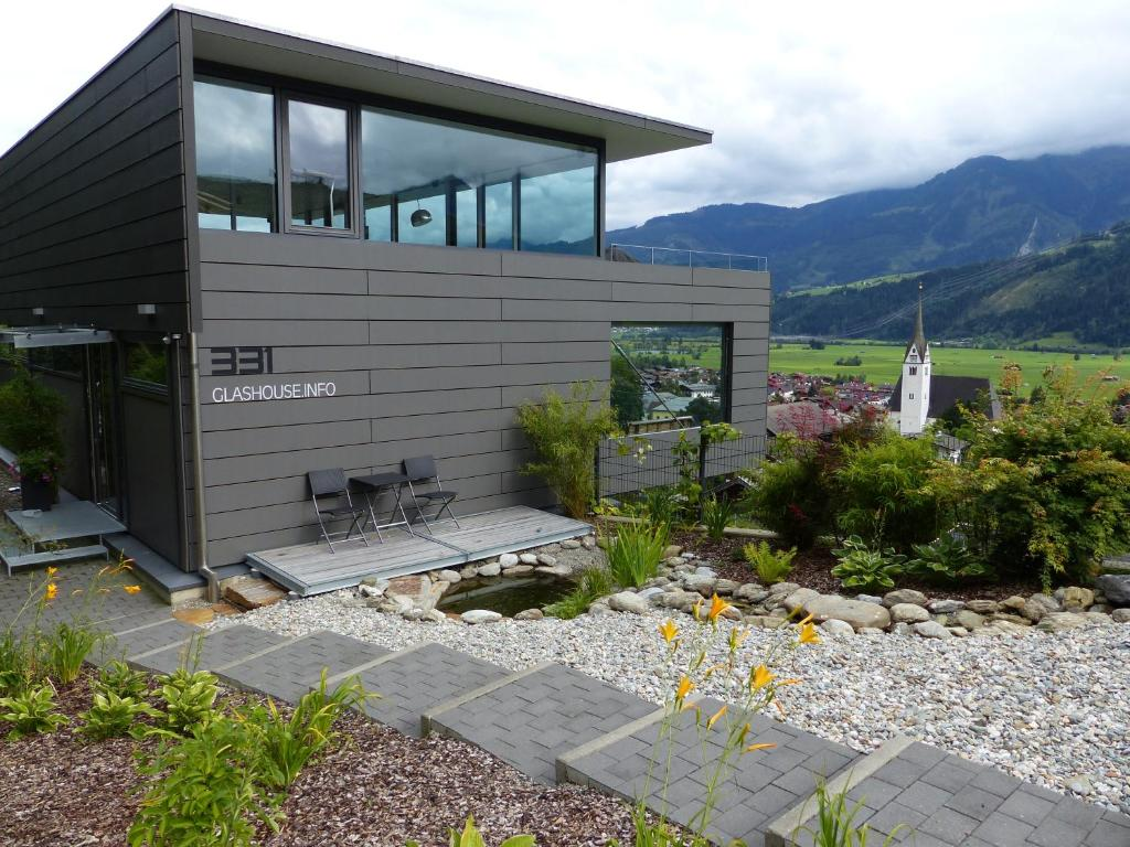 glas house design holiday home piesendorf austria
