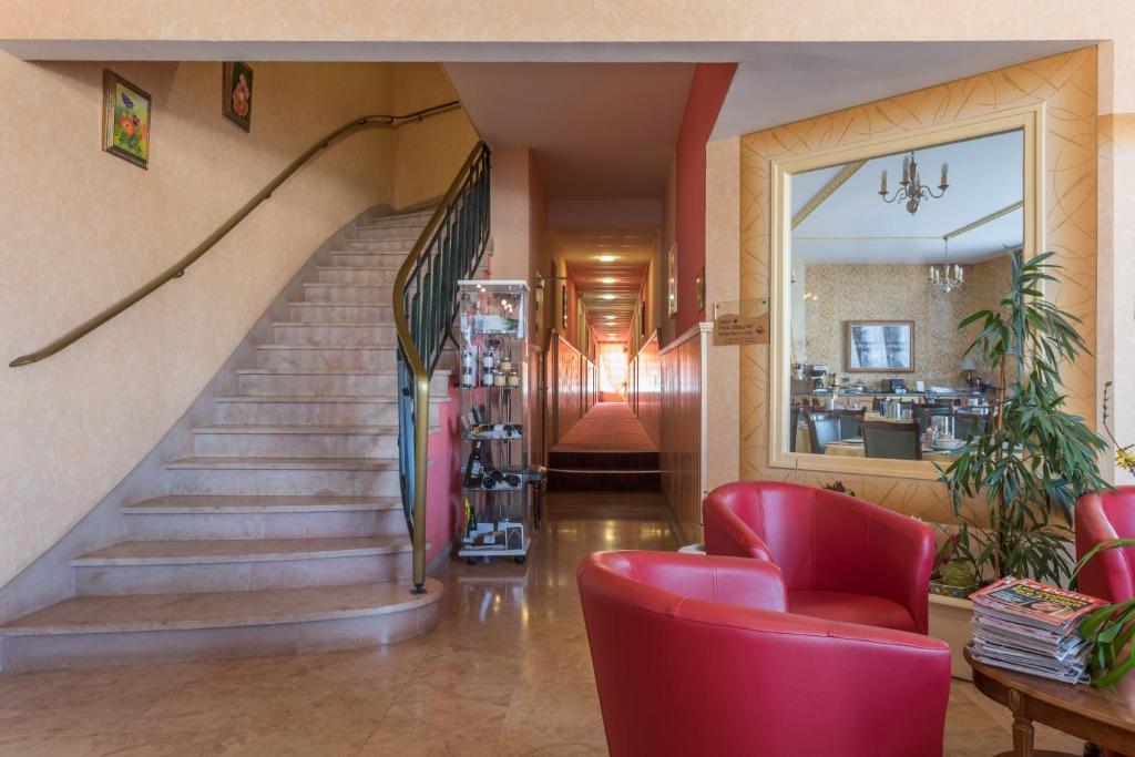hotel bristol r servation gratuite sur viamichelin. Black Bedroom Furniture Sets. Home Design Ideas
