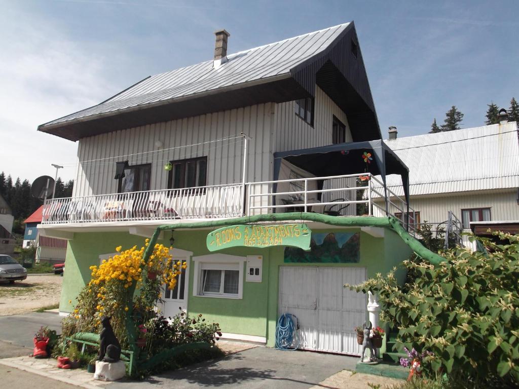 Crna gora dopisivanje online CRNA GORA