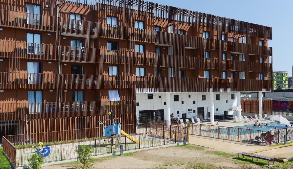Odalys appart h tel terra gaia locations de vacances s te for Sete appart hotel
