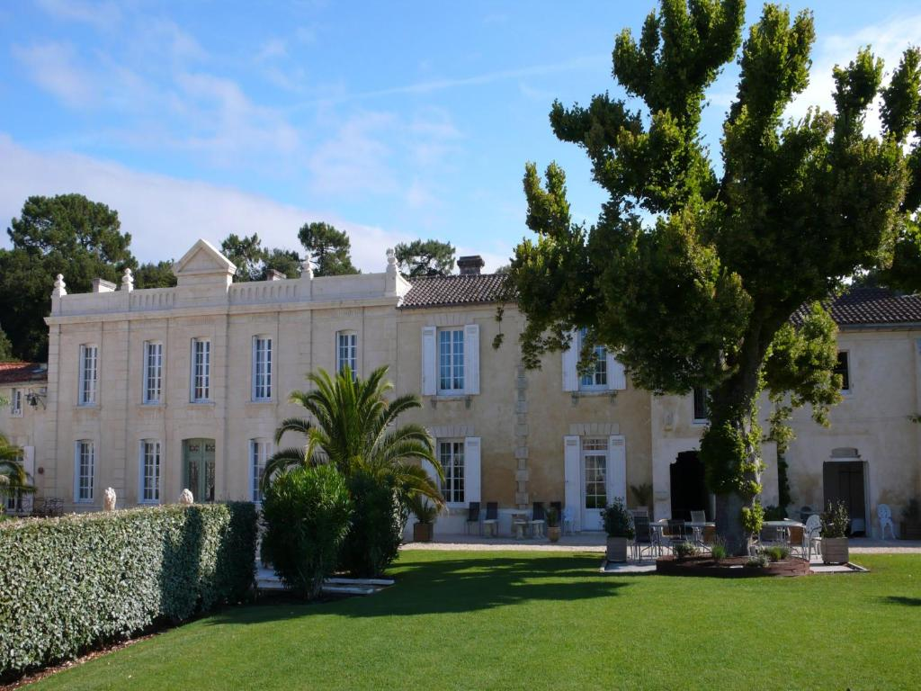 Hotel domaine de saint palais saint palais sur mer - Office de tourisme de st palais sur mer ...