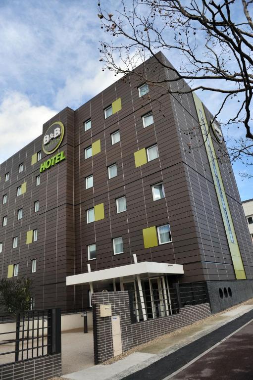 B b h tel paris le bourget le bourget book your hotel for Seven hotel paris booking