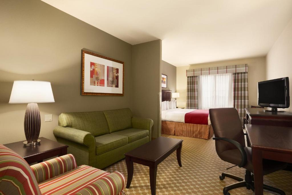 Country Inn and Suites College Station - College Station ...
