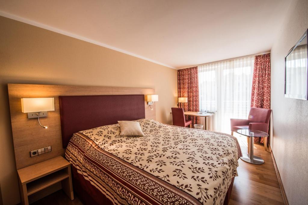 Hotel am yachthafen konstanz viamichelin informatie for Canape konstanz