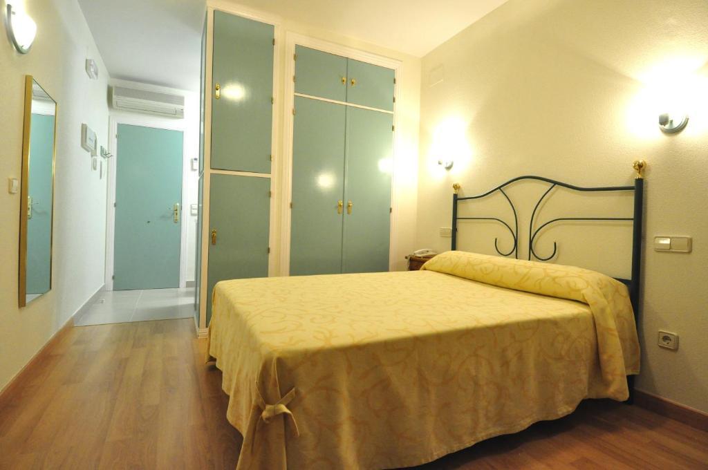 Hotel apartamentos aralso sotillo segovia informationen und buchungen online viamichelin - Apartamentos aralso segovia ...