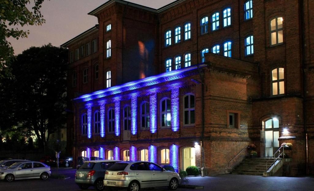 Hotel Volksschule Booking
