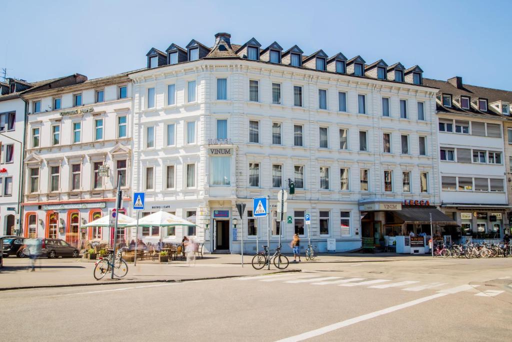 Hotel vinum integrationshotel trier informationen und for Designhotel trier