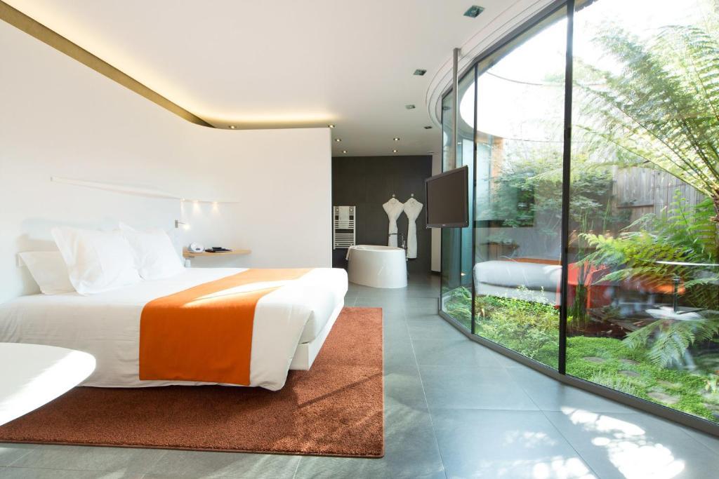 chambres d 39 h tes le saison les patios rennes saint gr goire chambres d 39 h tes saint gr goire. Black Bedroom Furniture Sets. Home Design Ideas