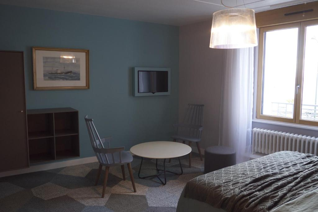 Chambres d 39 h tes ty lili chambres d 39 h tes cancale en for Chambres d hotes cancale