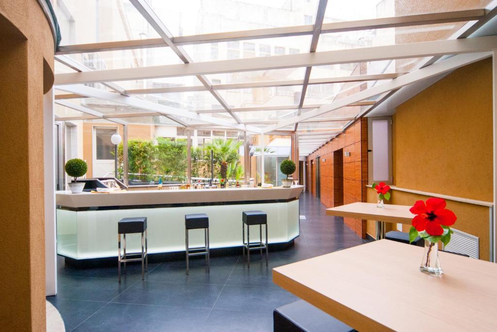 Grande albergo maugeri acireale viamichelin informatie en online reserveren for Moderne toiletartikelen