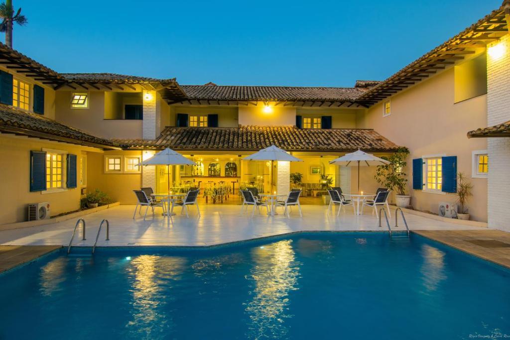A piscina localizada em Hotel Doce Mar ou nos arredores