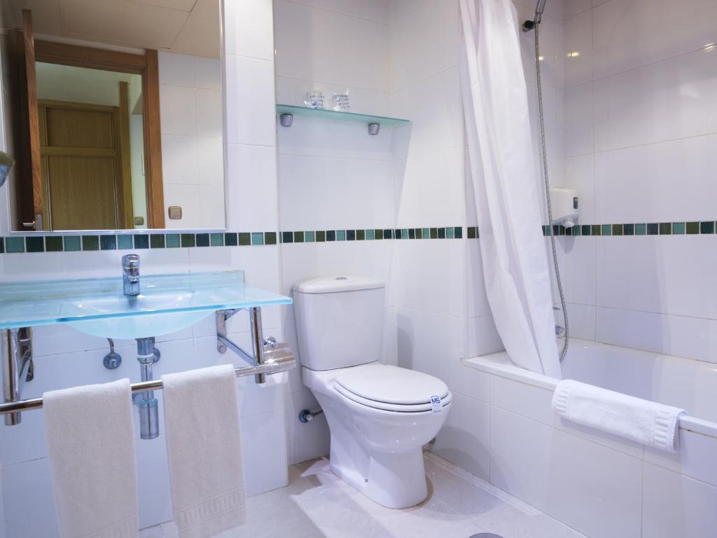 Apartamentos ms alay benalm dena book your hotel with viamichelin - Apartamentos alay benalmadena ...