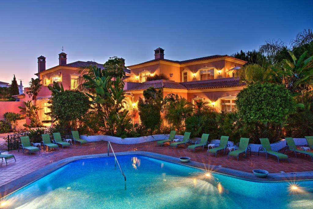 Quinta jacintina my secret garden hotel loul book for Secret hotel booking