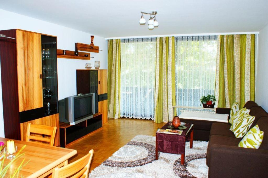 apartment ferienwohnung augsburg hochzoll including reviews. Black Bedroom Furniture Sets. Home Design Ideas
