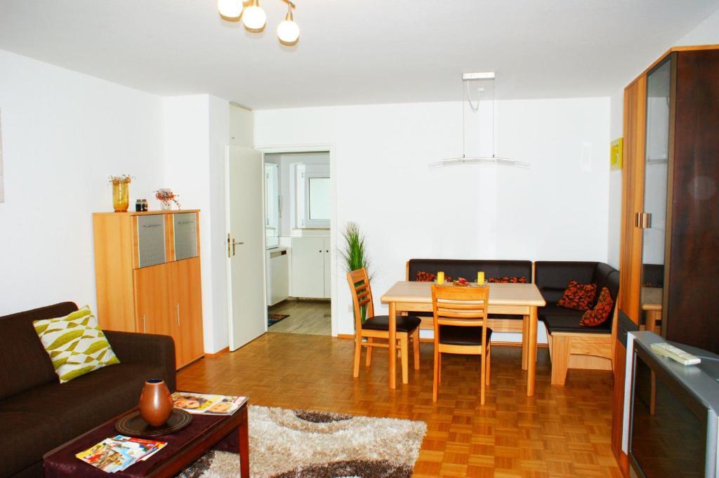 departamento ferienwohnung augsburg hochzoll alemania augsburgo. Black Bedroom Furniture Sets. Home Design Ideas