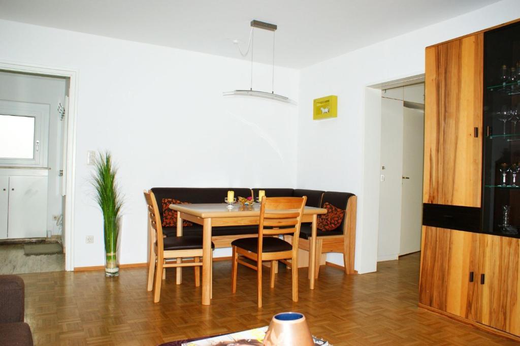 wohnung ferienwohnung in augsburg hochzoll n ferienh user augsburg. Black Bedroom Furniture Sets. Home Design Ideas