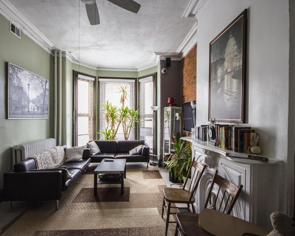 dc lofty washington informationen und buchungen online. Black Bedroom Furniture Sets. Home Design Ideas