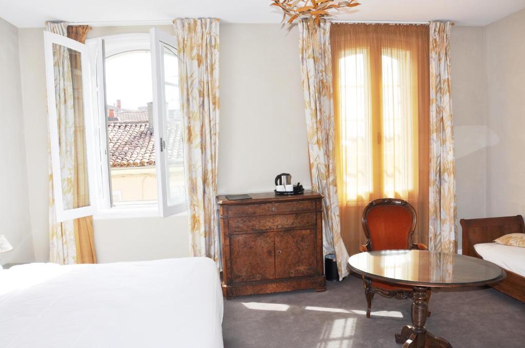 h tel de france auch prenotazione on line viamichelin. Black Bedroom Furniture Sets. Home Design Ideas