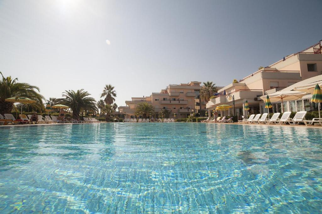 IHR Residence Hotel Le Terrazze, Appart\'hotels Grottammare