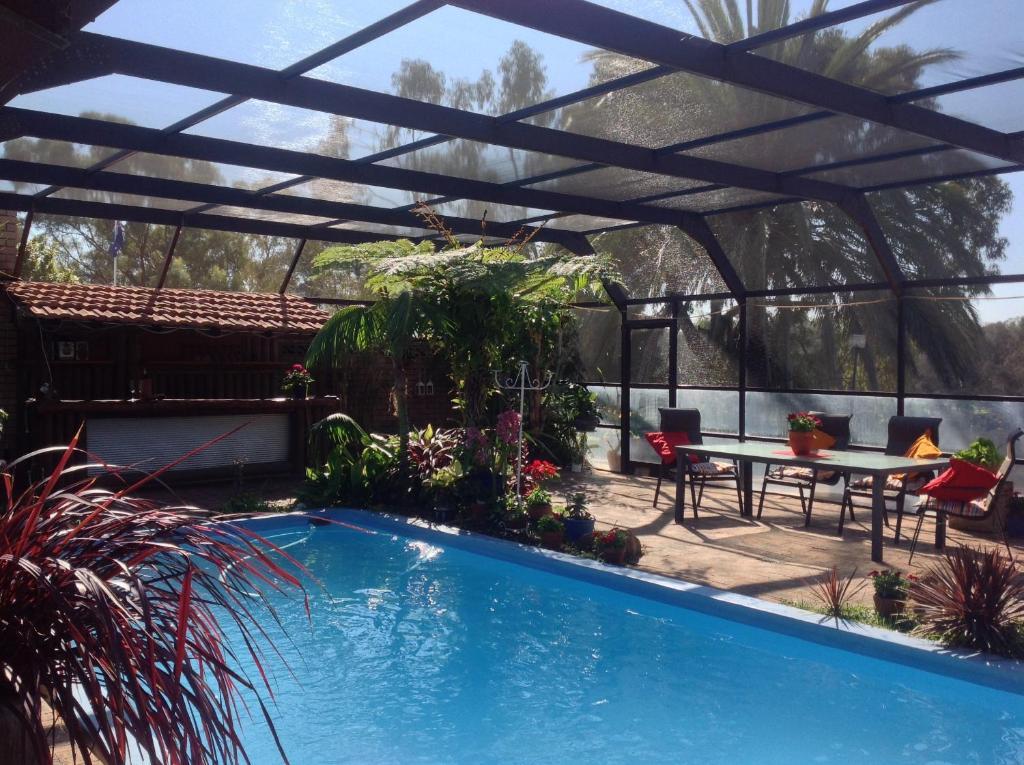 Riverfront71 B B Perth Online Booking Viamichelin
