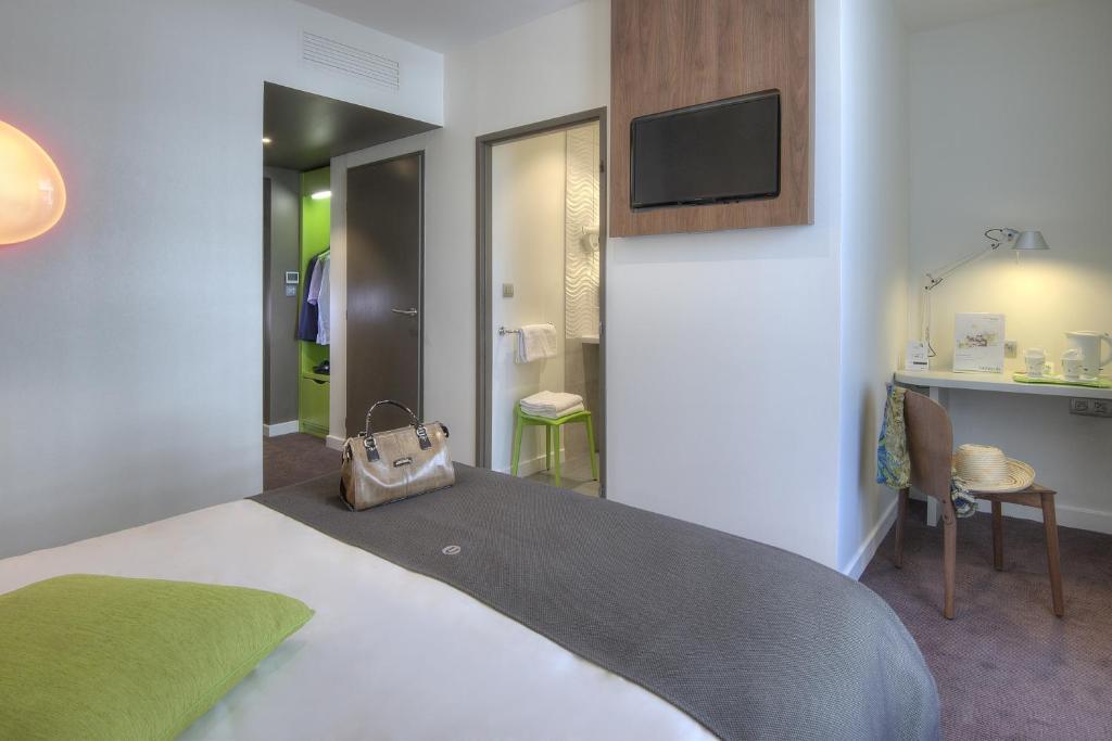 Campanile annecy centre gare annecy reserva tu hotel for Chambre de commerce annecy