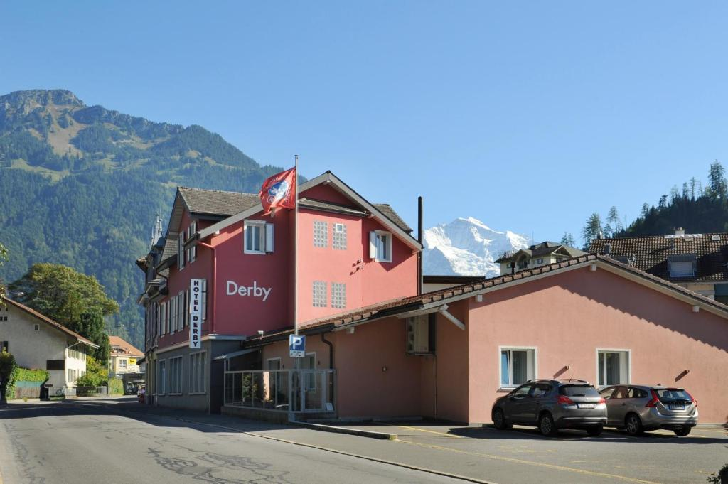 Hotel derby interlaken book your hotel with viamichelin for Derby hotels