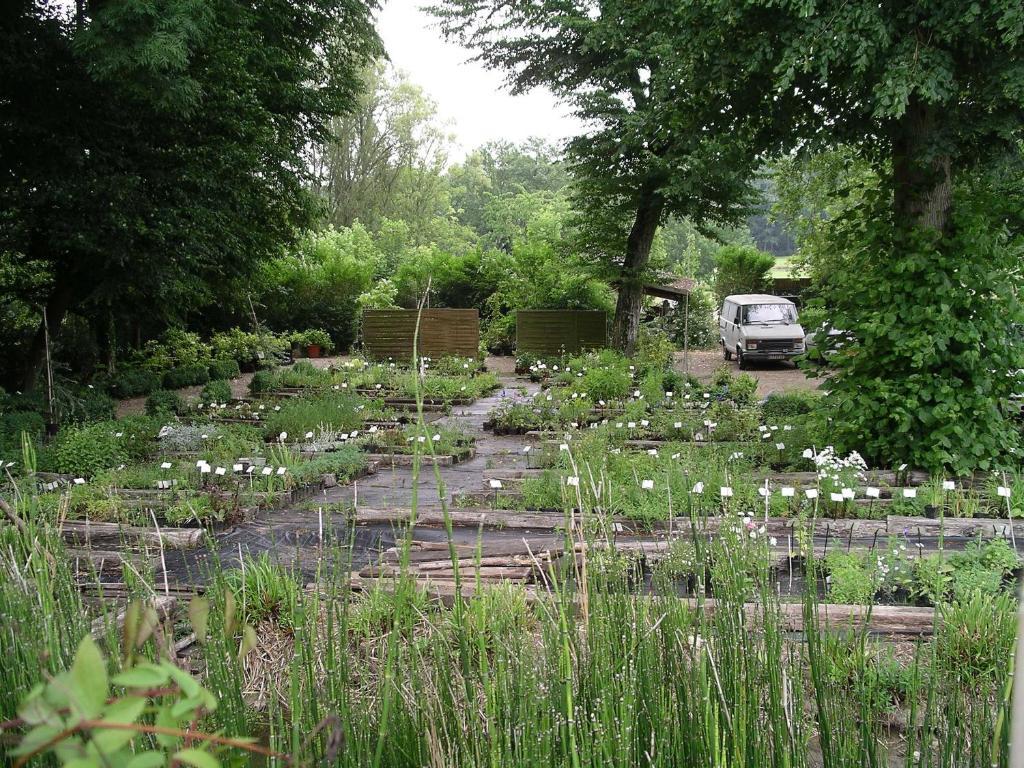 Chambres d 39 h tes du jardin francais senlis online for Jardin francais
